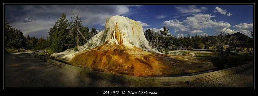 Yellowstone Mammooth Hot Spring